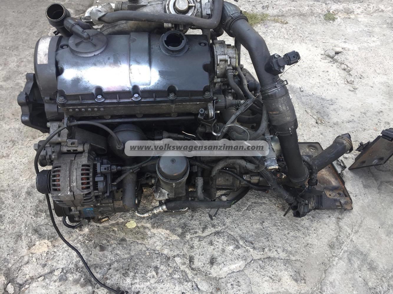 Transporter Axb 1 9tdi Motor Silindir Kapagi Cikma Yedek Parca
